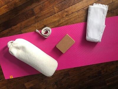 Utilisez des accessoires en Yin Yoga